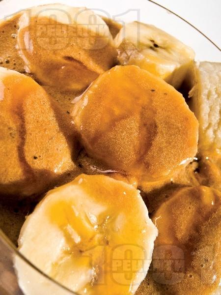 Бананово парфе / крем със суха сметана, бисквити, кокосови стърготини и мляко за десерт - снимка на рецептата